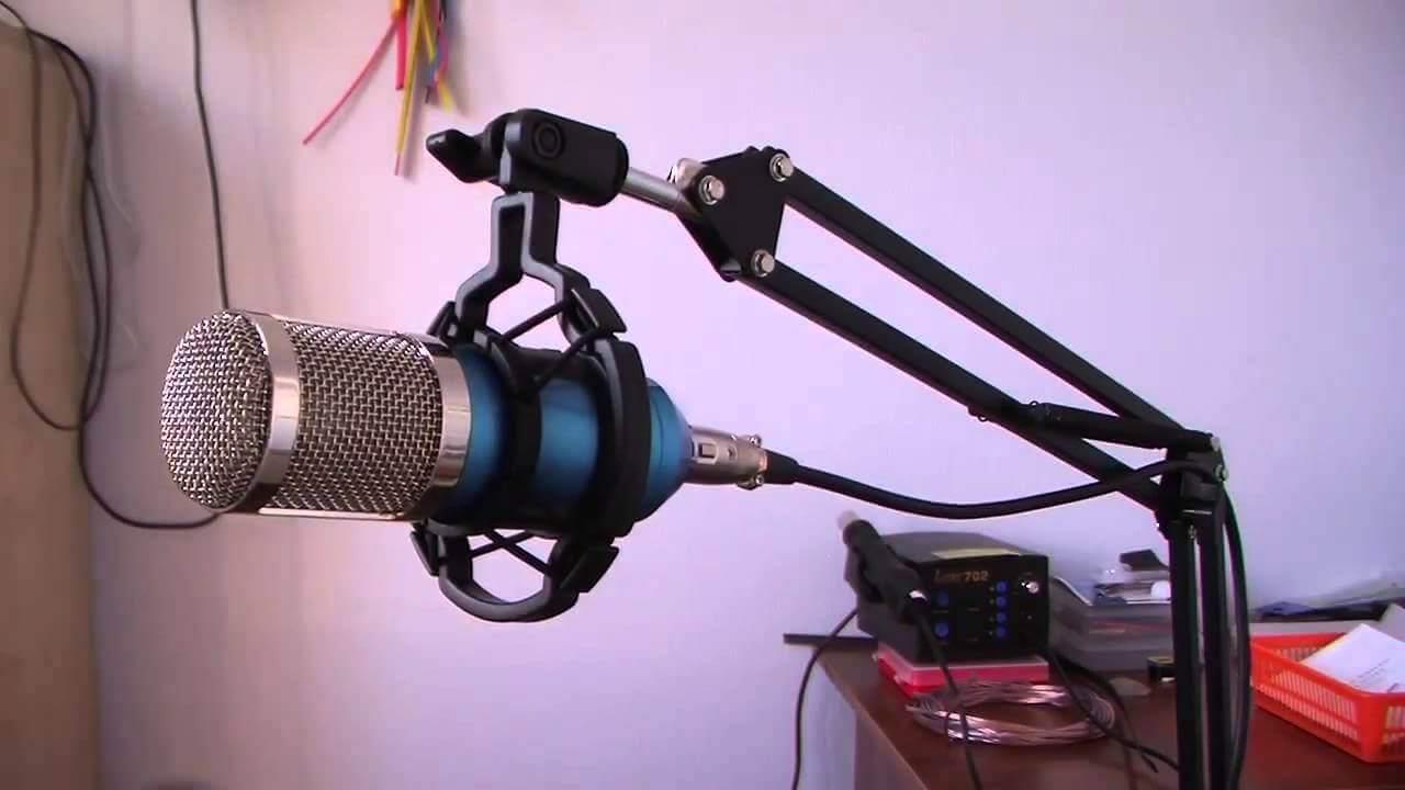 Grave seu podcast usando o microfone BM-800